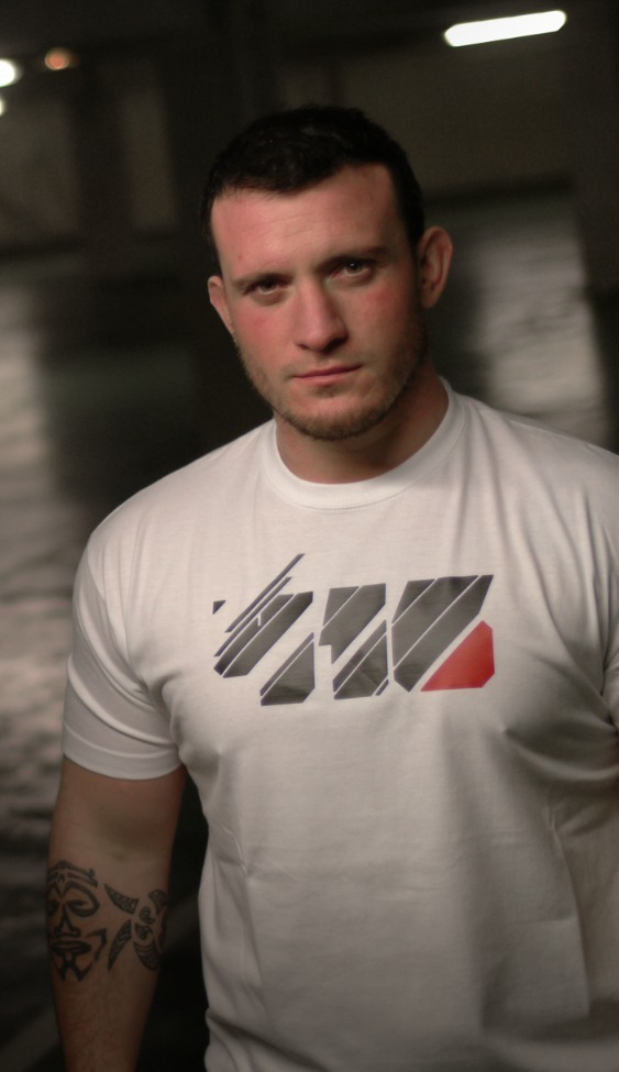 """Thomas Domingo, co-fondateur de la marque avec un modèle 416 wear """"Tron"""""""